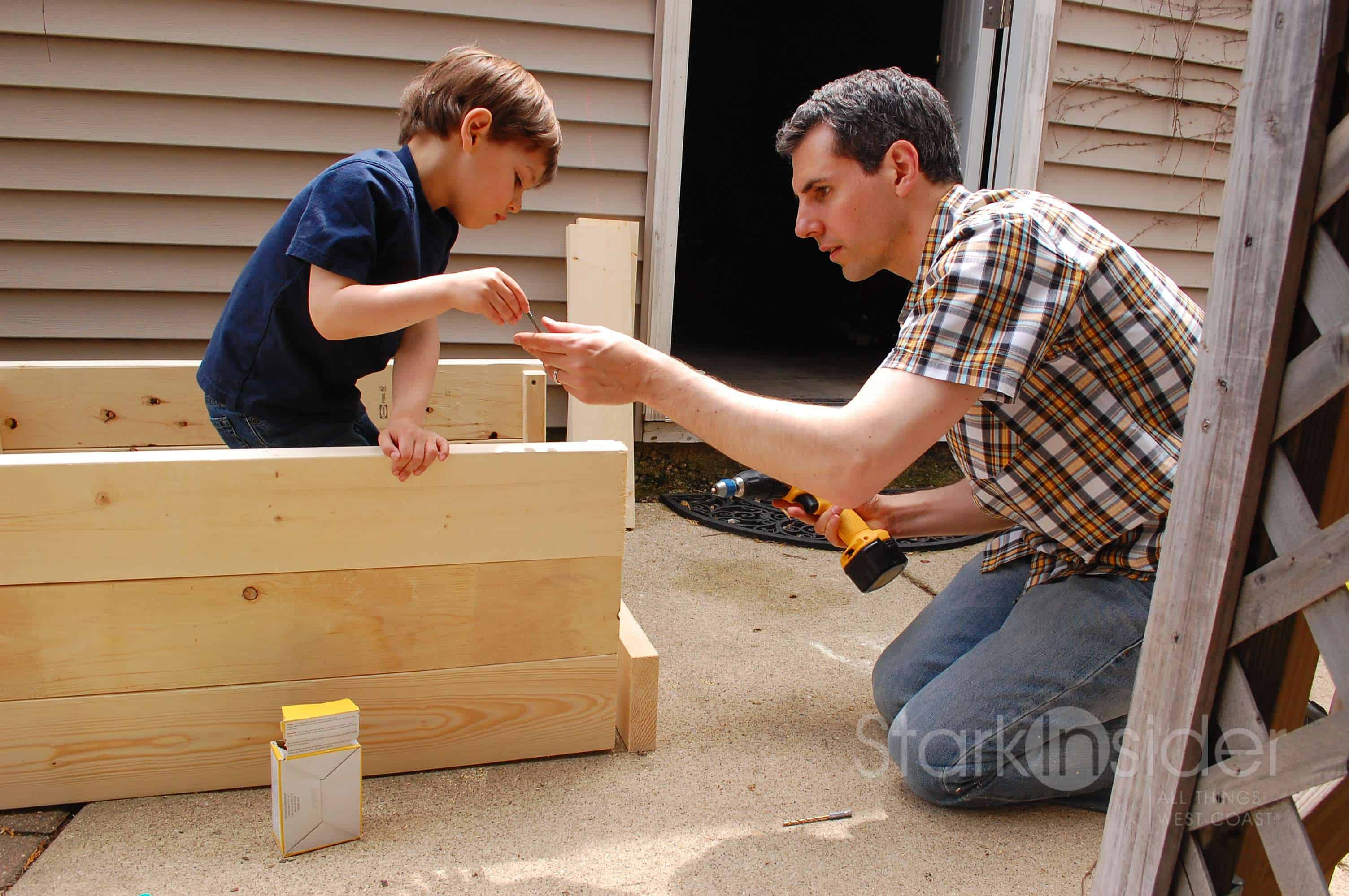 Jeff-and-Son-Vegetable-Planter-Box-plans